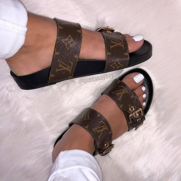 【Louis Vuitton】LV Metal buckle slippers