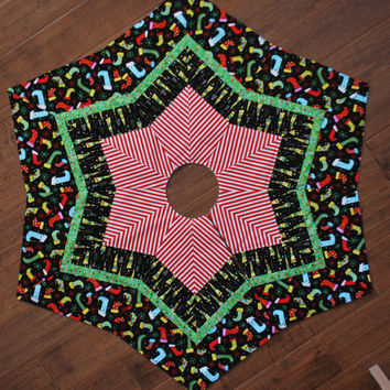 Christmas Tree Skirt quilt starburst design 46 diameter