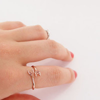 Glamourous Double Arrow Ring For Women