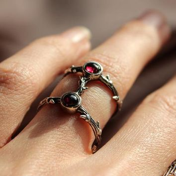 Shop Dixi Boho Ring | Daughters of the Night Garnet Gothic Thorn Ring