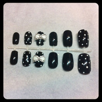 Black and White False Nails with 3D Bow