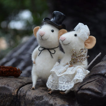 Bride Mice - Needle Felted Ornament - Felting Dreams by Johana Molina  - MADE TO ORDER