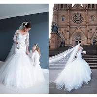 [198.99] Stunning Tulle & Satin V-Neck Mermaid Wedding Dresses With Lace Appliques - dressilyme.com