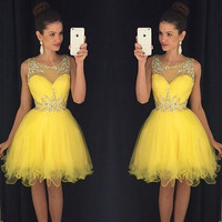 2016 Yellow Homecoming dresses A Line Scoop Neck Crystals Beaded Tulle Formal Dress Graduation Gowns Grade vestido festa curto