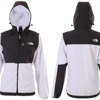 ONETOW Day-First? The North Face Women's Hooded Jacket
