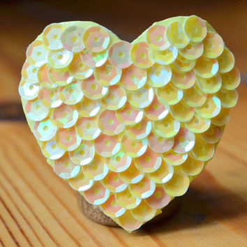 sunshine yellow, heart hairclip, summer jewerly, beach hairclip, hair clip heart, cheer bow citron, summer outfit, beach outfit