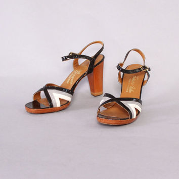 Vintage 70s Strappy SANDALS / 1970s Boho Striped Leather Wood Heels 6