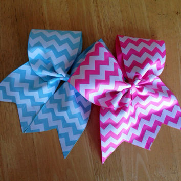 Chevron cherr bow