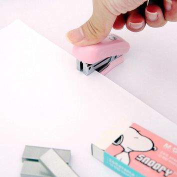 S56 1PC Kawaii Cute Puppy Dog Mini Stapler Set With 1 Box Staples Office School Supply Stationery Binding Binder Book Sewer