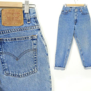 Vintage Levi's 550 Jeans Size 8 SHORT - 80s 90s Tapered Leg High Waist Stone Washed Medium Blue Rinse Women's Relaxed Fit Mom Jeans