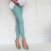 Daisy Cute Fun Print  Maternity Leggings under Belly in Caribbean blue , Maternity Clothing, Newborns and Toddlers Moms, Beyond pregnanacy