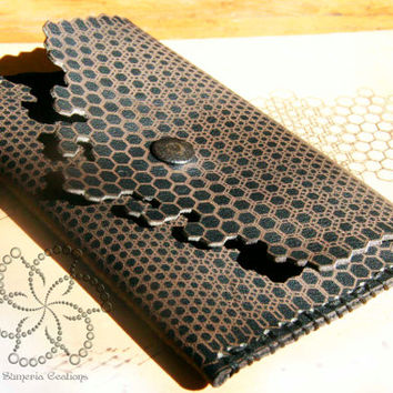 Parametric laser etched leather tobacco pouch