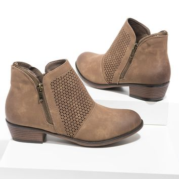 Zoey19 Taupe Booties
