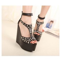 Stylish Peep Toe Rivets T Strappy Ankle Platform Wedge Sandals 2 Colors