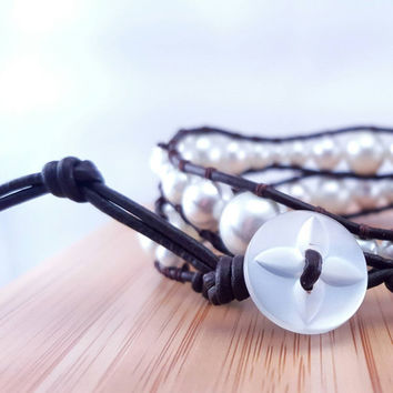 "Bohemian pearl wrap bracelet // four sizes of glass pearls // deep brown leather cord // pearlescent button // ""Chan Luu"" inspired // autumn"