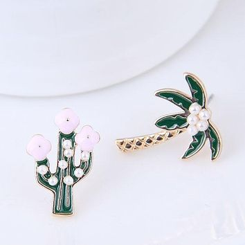 SHARI - Palm Tree Stud Set