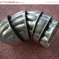 3DAYSALE A Set of Five Vintage Aluminum Cupcake Jelly Molds Kitchen Decor Baking Cooking Cookies 124 #1