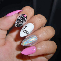 LOVE Holographic False Nails Set 10g nail glue included