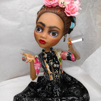 Mexican Artist Frida Kahlo doll,  A Folkart Mothers day Gift, Latin America Beautiful Treasure