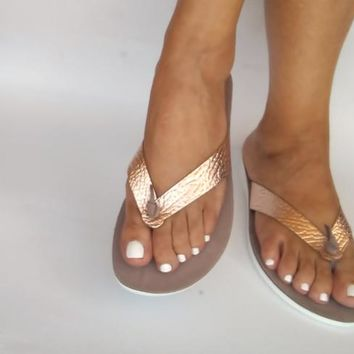 Rose gold leather sandals comfort in every step, chic anatomic sandals with flexsole technology feel it every step of the way