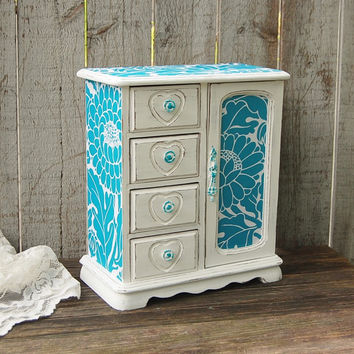 Turquoise and white jewelry box