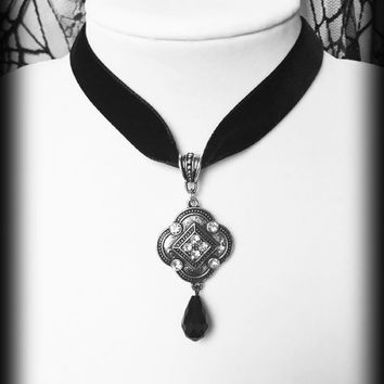 Black Velvet Choker, Gothic Victorian, Silver Diamante Choker Necklace, Crystal Pendant, Elegant Gothic Jewelry