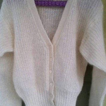 Vintage Fuzzy Soft Mohair Ivory Ribbed J G Hook Cardigan Size M