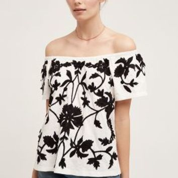 Akemi + Kin Tropea Top in Black & White Size: