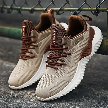 Men Sneakers Breathable Woven Outdoors Leisure Fashion Lace-up Shoes
