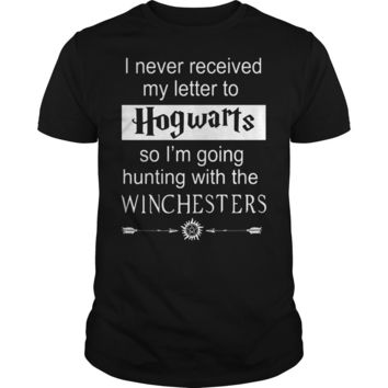 i never received my letter to hogwarts so i'm going hunting with the winchesters shirt Guys Tee
