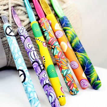 Polymer clay covered crochet hook SET of 6 with all different designs Susan Bates