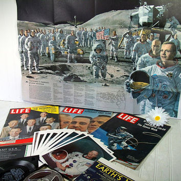 Collection of Early NASA Astronauts Space Missions Memorabilia & Ephemera 20 Piece Collection Magazines, Photos, Recordings from 1959 - 1976