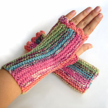 #Mint #pink #striped #fingerlessmittens #fingerless #woolgloves #handknit #seamless #armwarmers