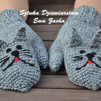 Grey Cat  Animal  Crochet Mittens/ gloves in handmade-warmers