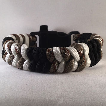 Gecko - Fishtail Paracord Bracelet with emergency Whistle Buckle