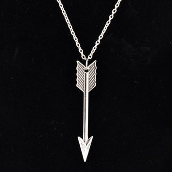 Hot Vintage Cute Silver Retro Arrow Alloy Chain Pendant Necklace (Size: 60 cm, Color: Silver) = 1946750084