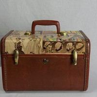 Vintage 60s Pin-up Ad Train Case Suitcase Make-up Case