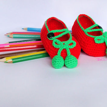 Red crochet baby shoes, baby girl shoes with green bow, Newborn Ballerina Slippers