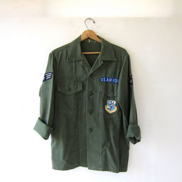STOREWIDE SALE...Vintage men's army shirt. military jacket.