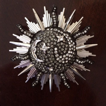 Gorgeous black and rhinestone sunburst brooch