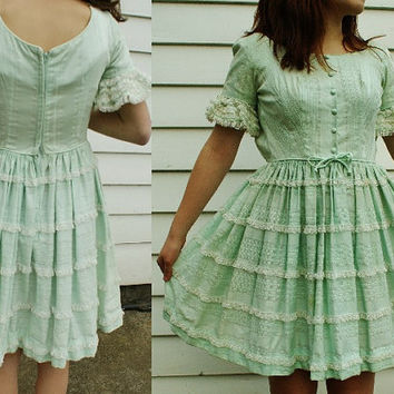 Tiered Lace Prairie Dress -- XS Vintage Mint