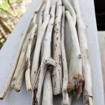 Sun Bleached Driftwood Sticks , White Driftwoods Rustic Beach decor, Beach Wedding Decoration , Coastal Supplies SB13