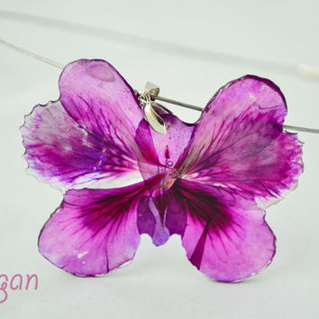 Resin real flower butterfly, Butterfly Necklace, Necklace resin butterfly, Pendant real flower, Resin flower, Pressed Flower Jewelry,Nalbach