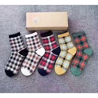 Burberry New fashion plaid five pairs of socks suit