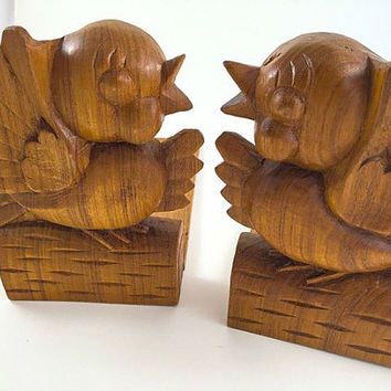Vintage Bird Bookends Wood Bookends Kitsch Kitschy Bird Carved Wood Bookends Carved Bird Figurine Mid Century Home Decor