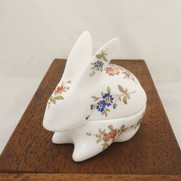 Vintage Hammersley Bone China Trinket Box, Hammersley Bunny Rabbit Trinket Box