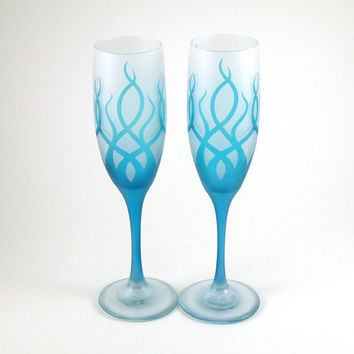 Champagne Flutes Etched and Painted Strands by woodeyeglass