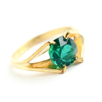 Vintage Emerald Green Glass Stone Ring -  Mid Century Vargas Size 6 Gold Filled Jewelry / Claw Set