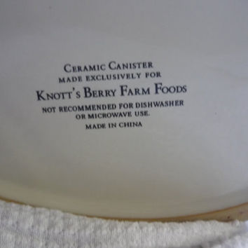 Knott's Berry Farm Collectible Ceramic Cookie/Biscuit Jar/Canister Vintage--Fair ware- helping hearts- American Souvenir-