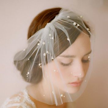 Bride Veils with Sparkle Beaded Short Face Tulle Soft Yarn Wedding Veil with Comb